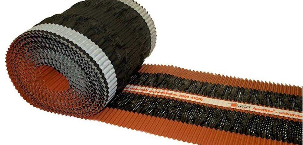 NedsaleAeroflex rol 30 cm breedte 10 meter per rol rood